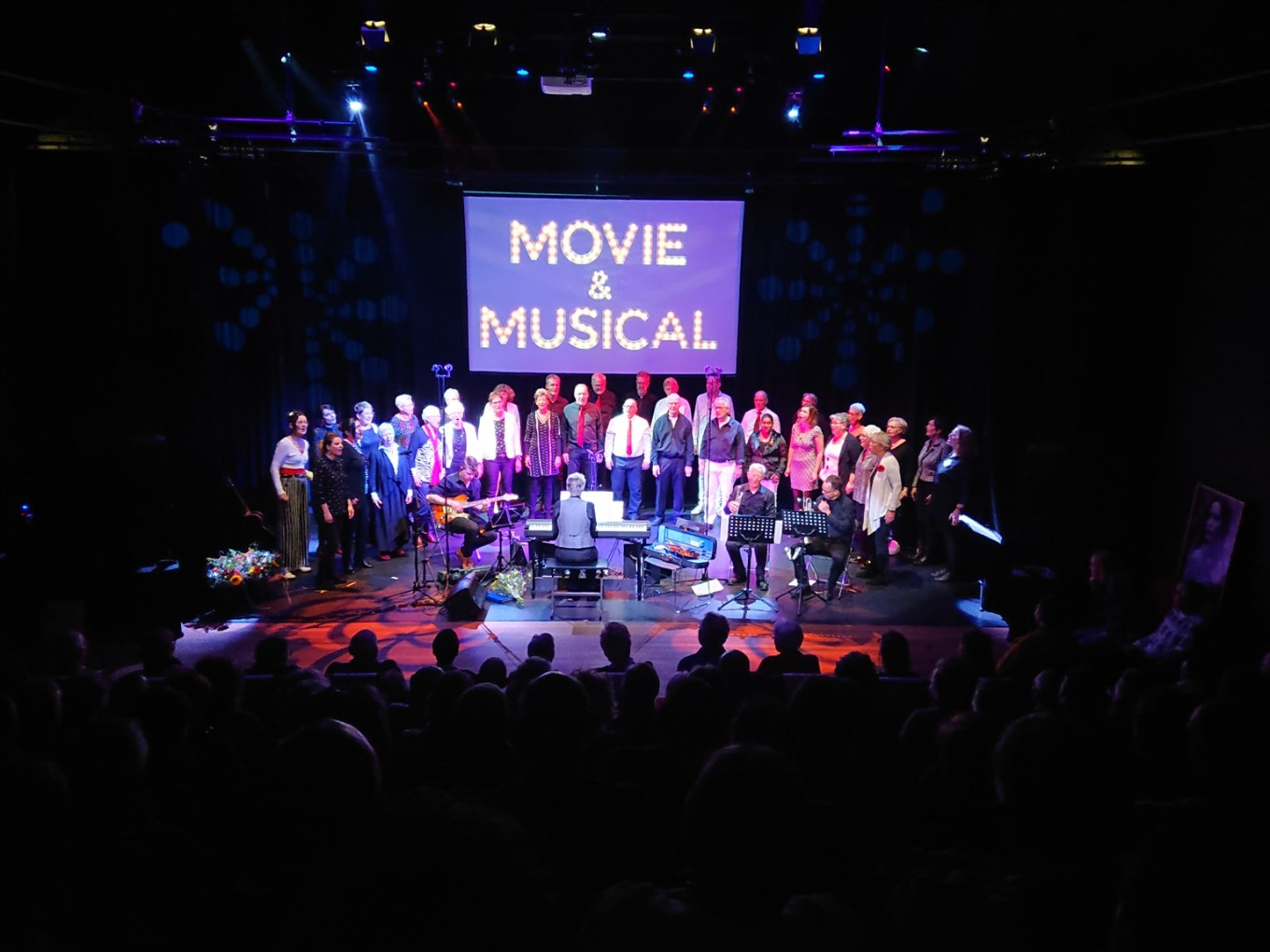 Derde Movie&Musical-concert Out of the Blue in Nieuwleusen