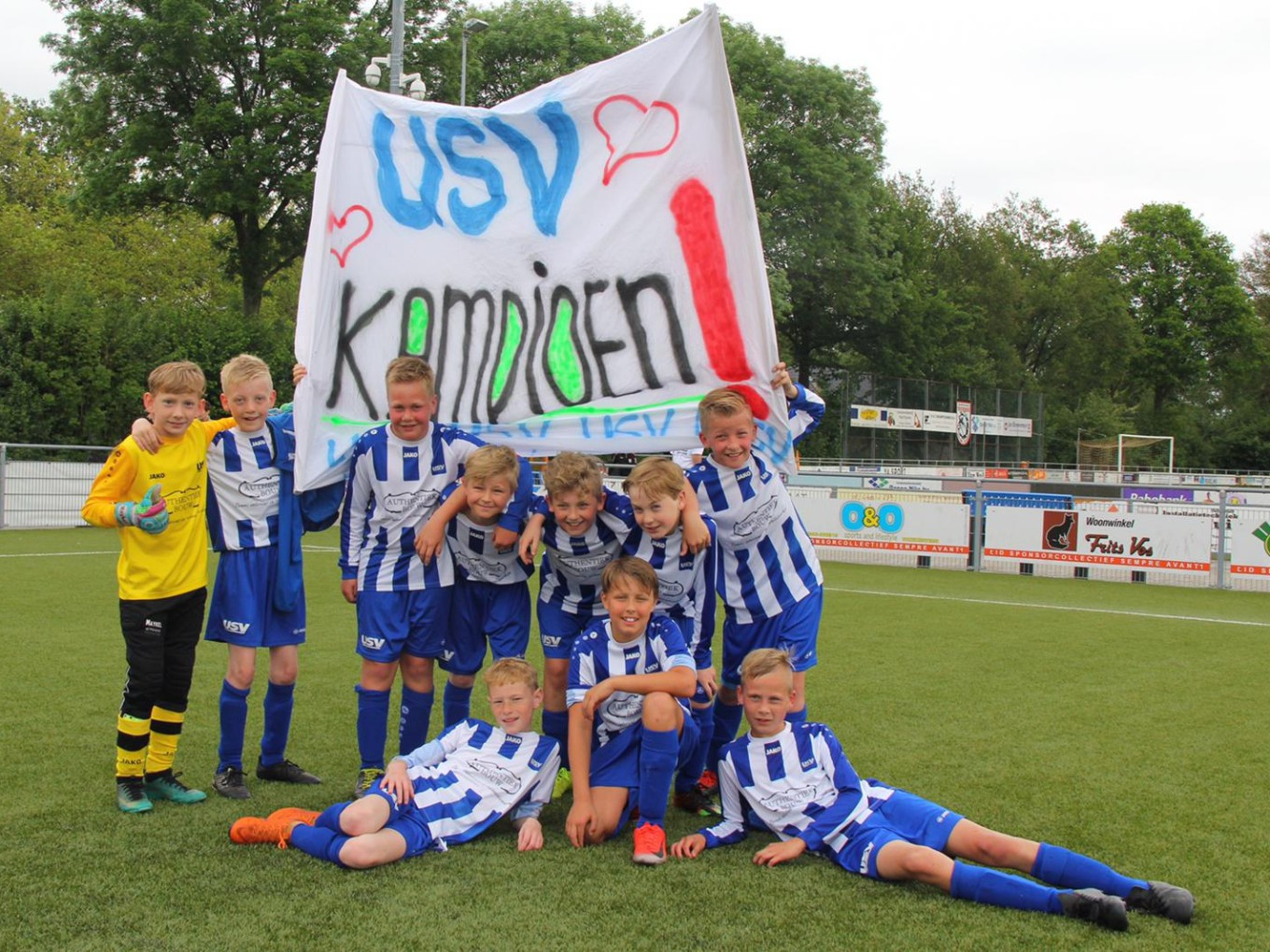 Team USV JO12-1 is kampioen