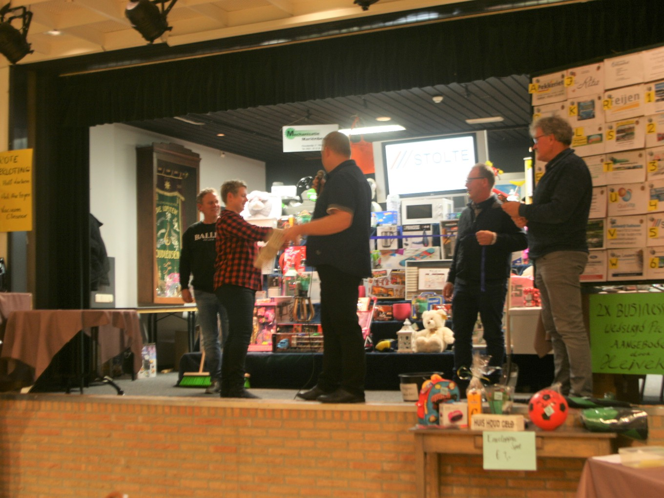 Traditionele bazaar in De Wiekelaar Oudleusen